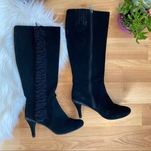 Kenneth Cole Reaction chic pea black suede boots